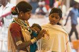 Bracelet, Chhattisgarh, Gond, India, Market, Necklace, Shopping, Tattoo