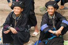 Nung Women At Market