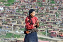 China,Praying,Sichuan,Tibetan