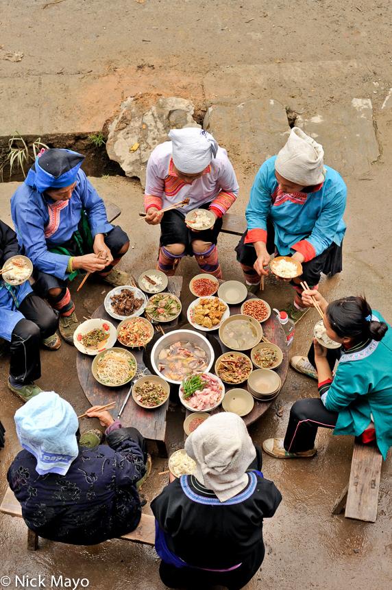 China,Eating,Guizhou,Hat,Miao,Shui, photo