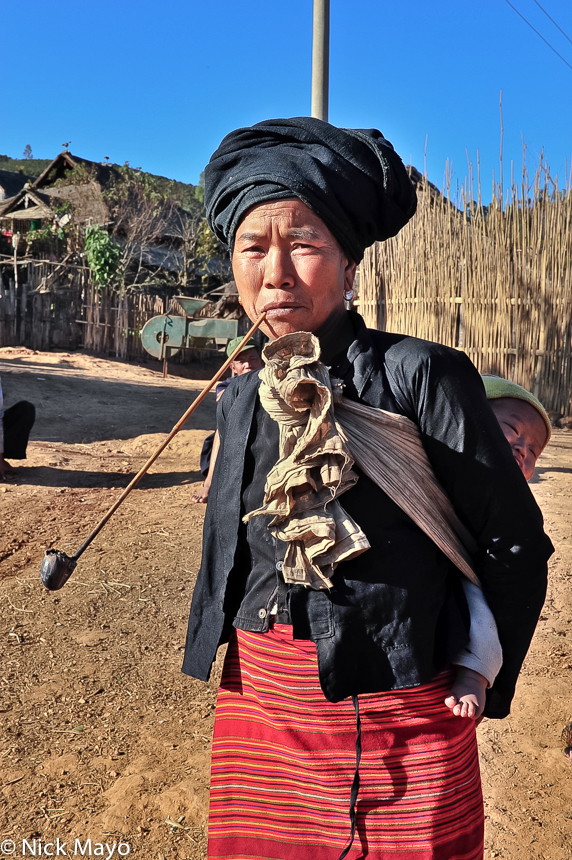 Bulang,China,Pipe,Smoking,Yunnan, photo