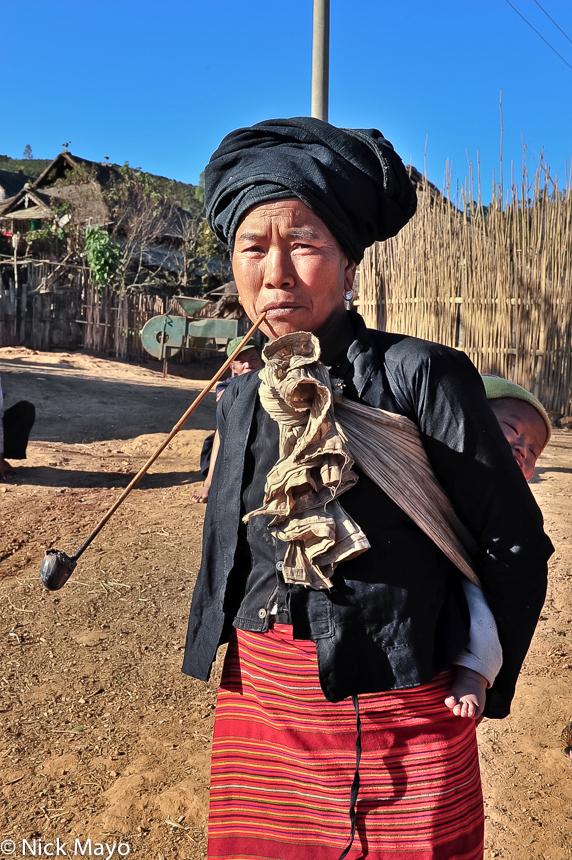 Bulang,China,Pipe,Smoking,Turban,Yunnan, photo