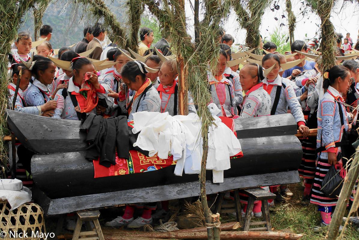 China,Coffin,Funeral,Guizhou,Hair Piece,Miao,Mourning, photo