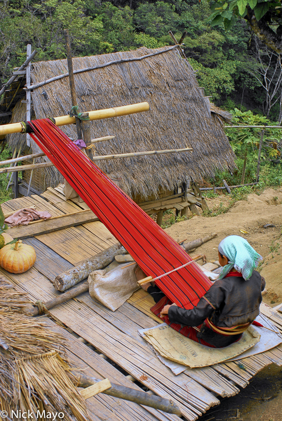Back Loom,Burma,Palaung,Shan State,Weaving, photo