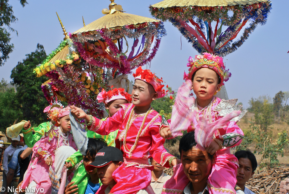 Burma,Procession,Shan,Shan State,Umbrella, photo