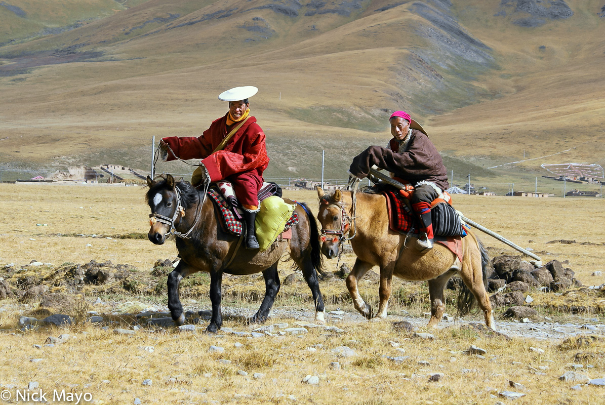 China,Horse,Monk,Sichuan,Tibetan, photo