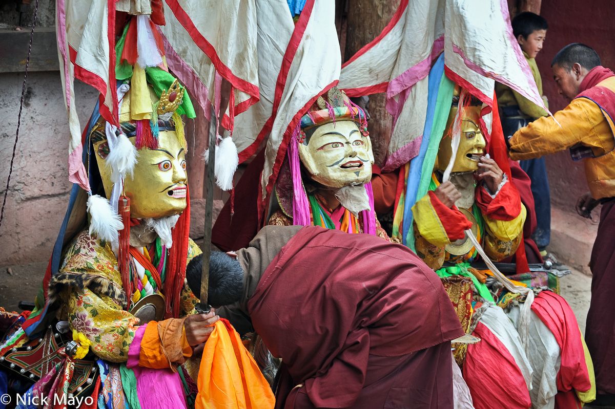 China,Festival,Mask,Monk,Sichuan,Sword,Tibetan, photo
