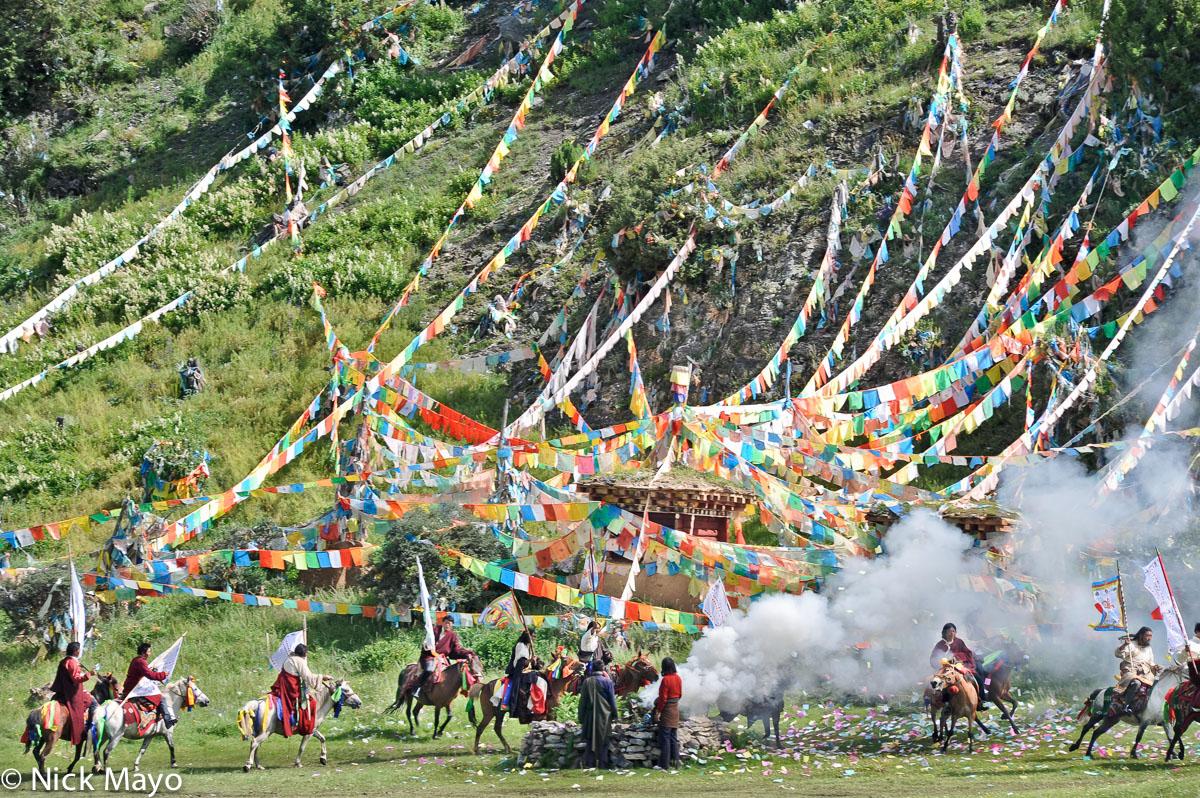 China,Festival,Horse,Prayer Flag,Sichuan,Standard,Tibetan, photo