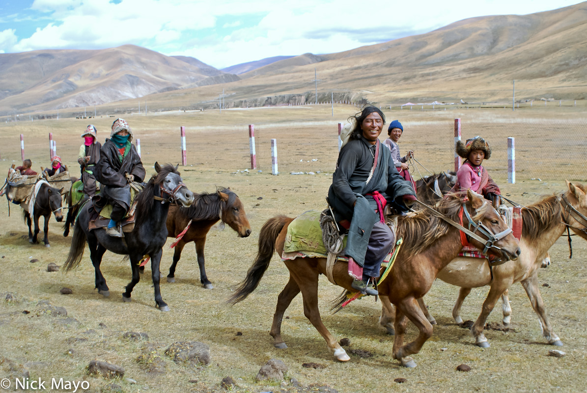 China,Hat,Horse,Panier,Sichuan,Tibetan, photo