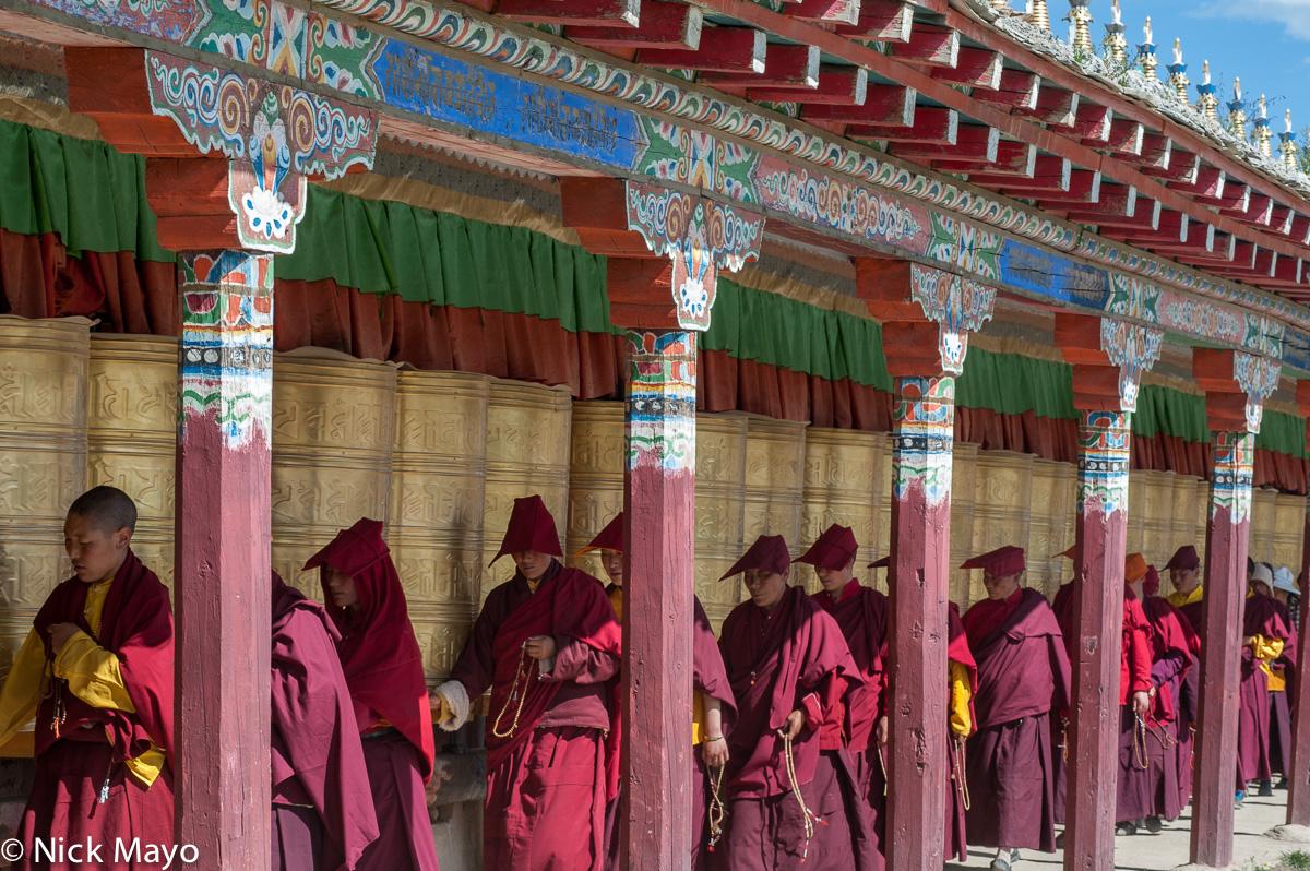 China,Hat,Kora,Monk,Nun,Prayer Beads,Prayer Wheel,Sichuan,Tibetan, photo