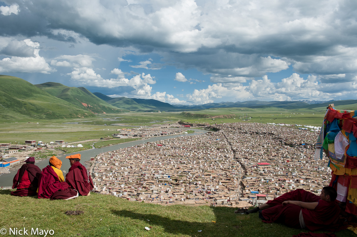 China,Monk,Nun,Sichuan,Tibetan,Village, photo