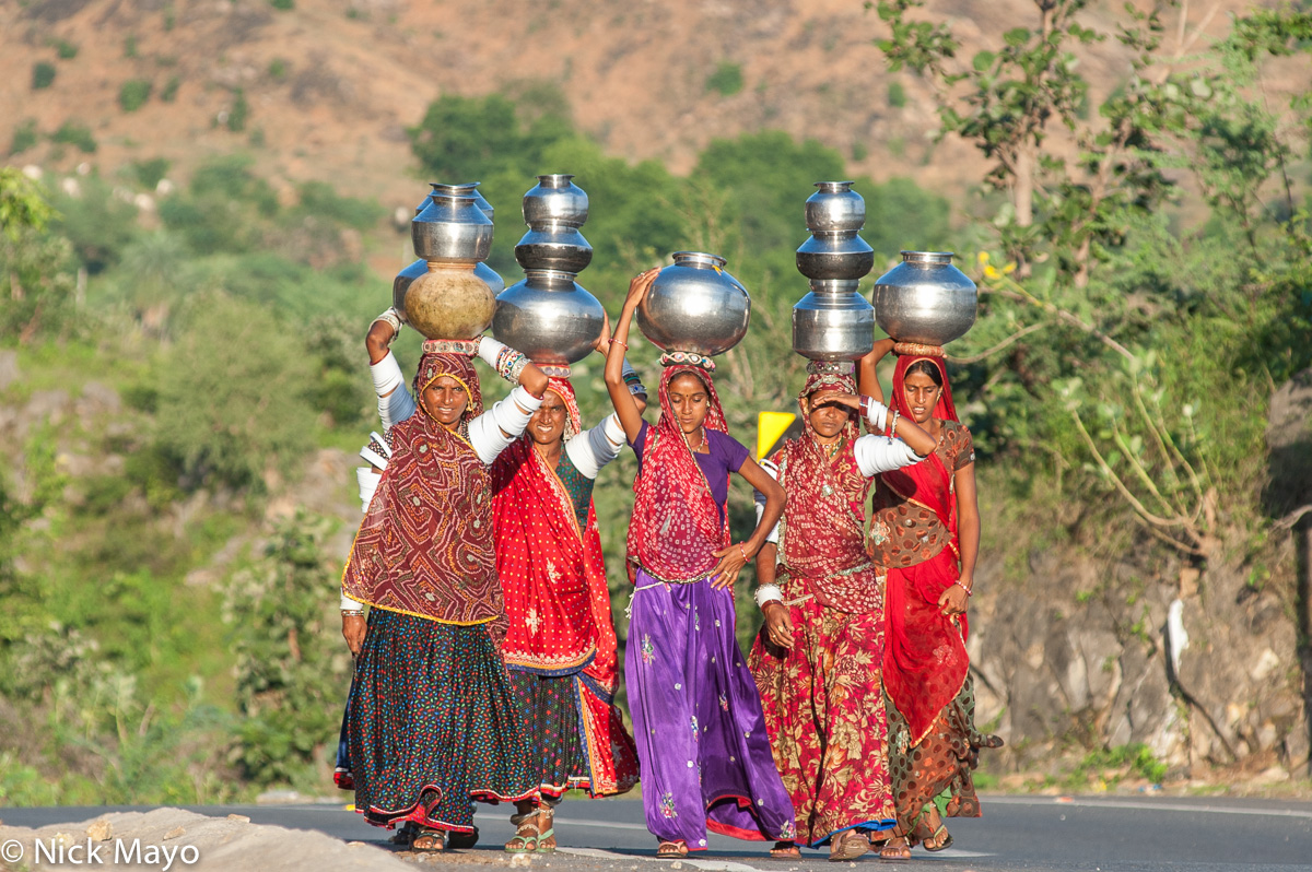 Bangle,Bracelet,Fetching Water,Gujarat,Head Scarf,India,Rabari, photo
