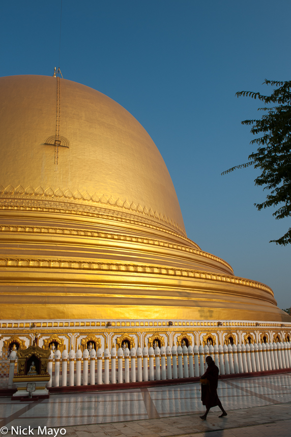 Burma,Monk,Sagaing Division,Stupa, photo