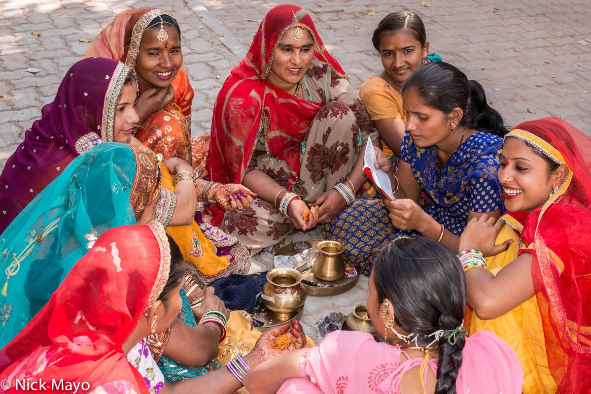 Bracelet,Head Scarf,India,Rajasthan,Ritual, photo