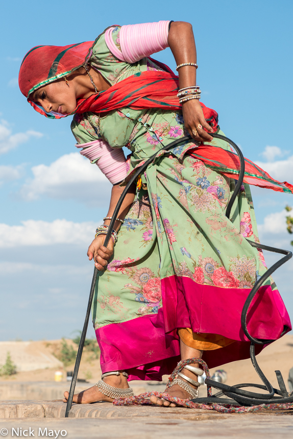 Anklet,Bangle,Bracelet,Fetching Water,Head Scarf,India,Rajasthan, photo