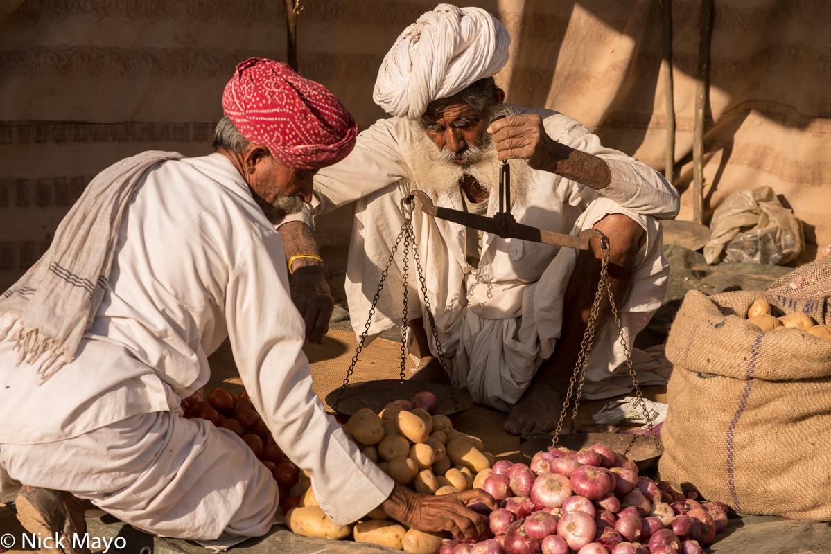 Festival,India,Onion,Potato,Rabari,Rajasthan,Turban,Weighing Scale, photo