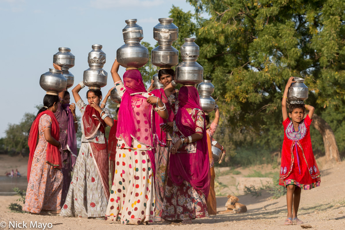 Fetching Water,Head Scarf,India,Rajasthan, photo