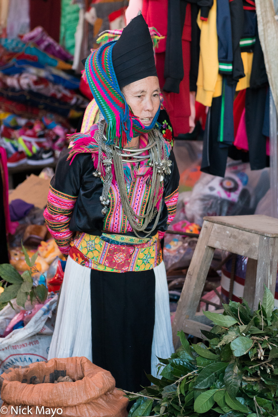 Lai Chau, Market, Miao, Necklace, Selling, Turban, Vietnam, photo