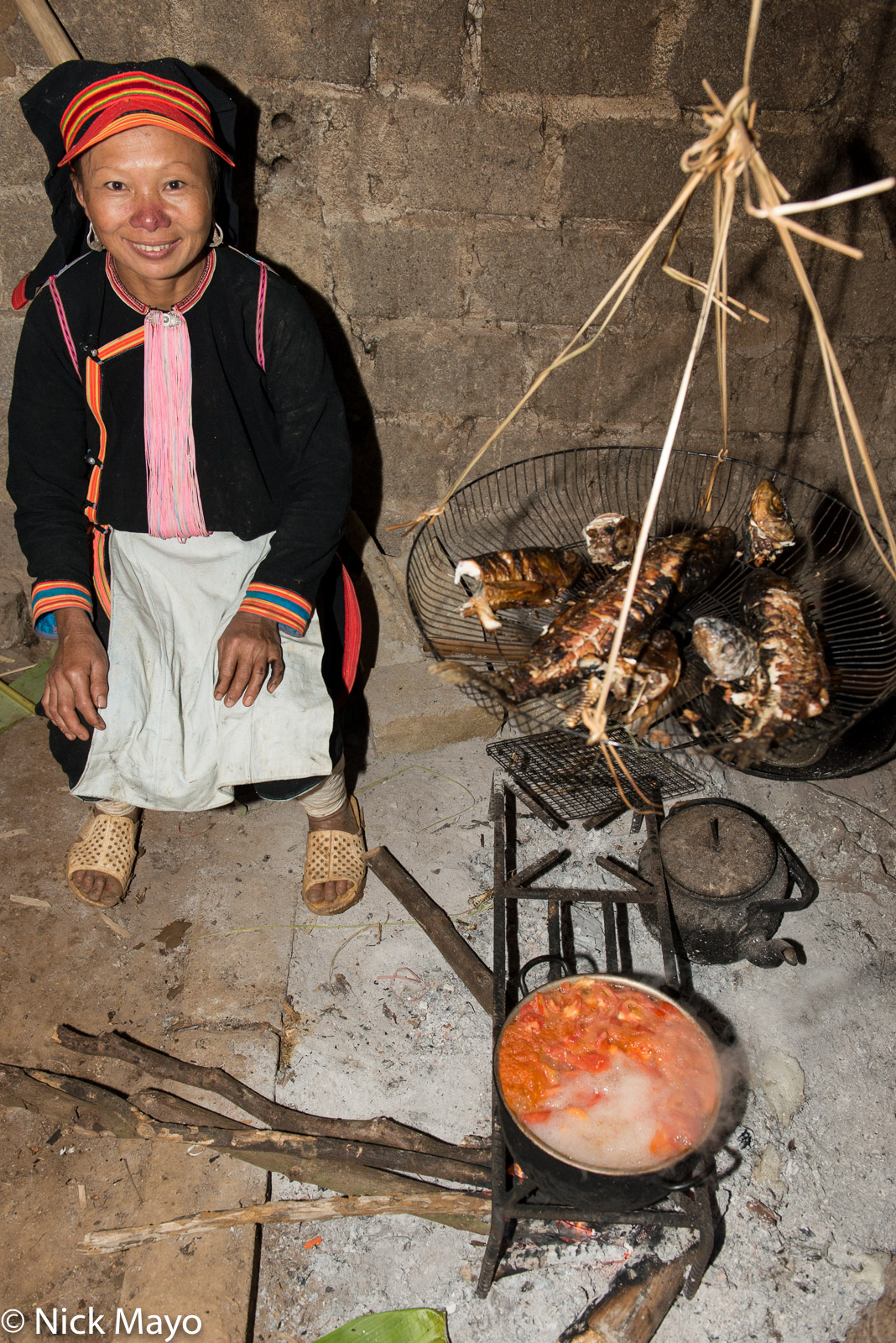 Apron, Cooking, Earring, Fish, Hat, Lai Chau, Soup, Vietnam, Yao, photo