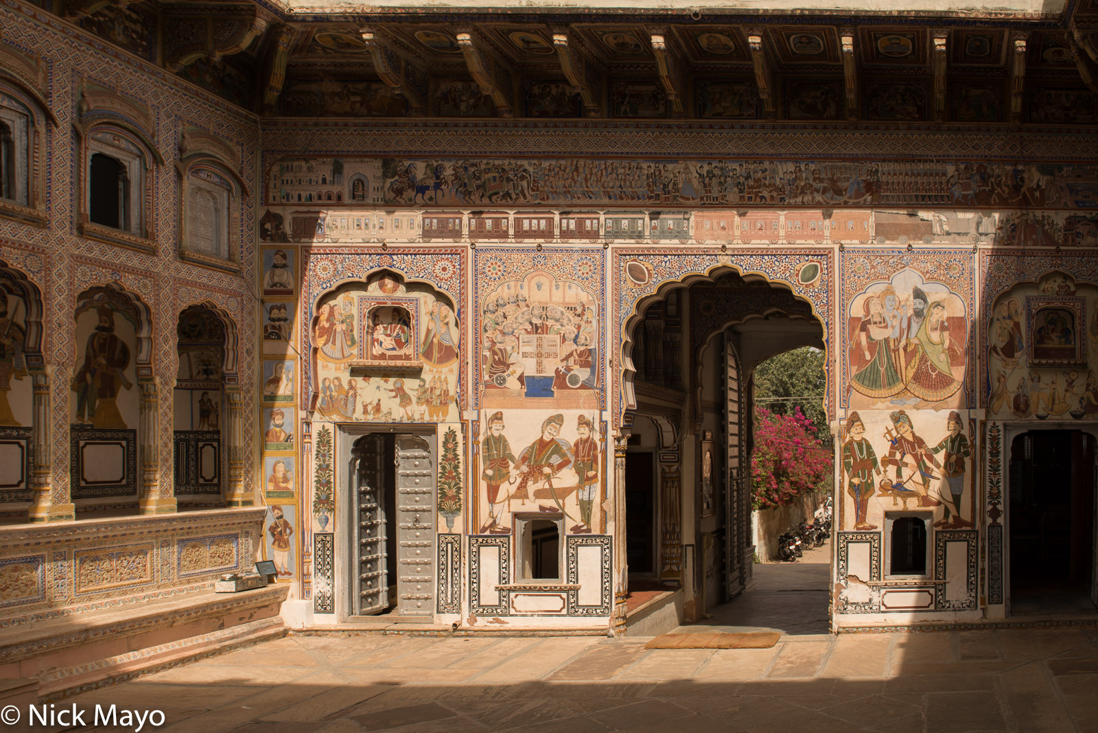 Courtyard, Gate, India, Mural, Rajasthan, photo