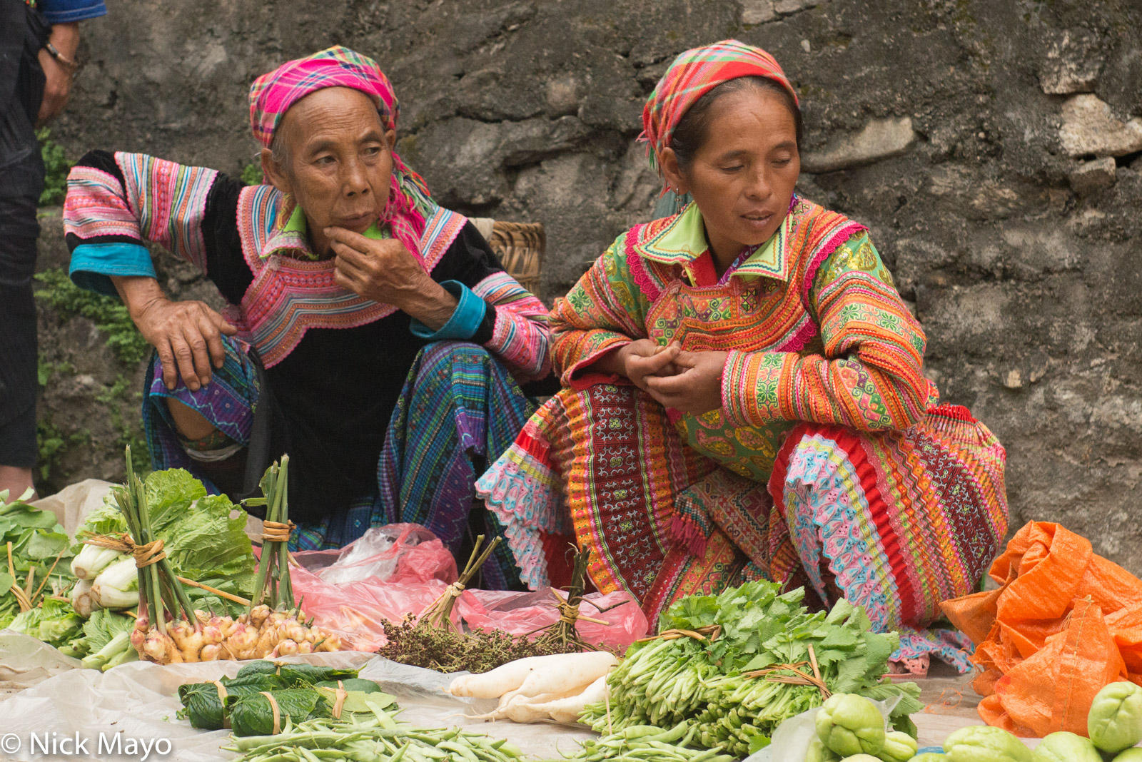 Ha Giang, Head Scarf, Market, Miao, Selling, Vietnam, photo