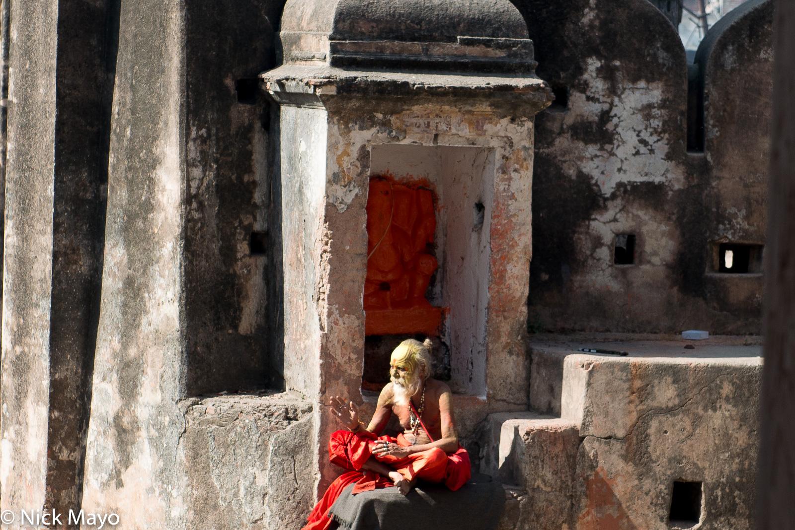 India, Madhya Pradesh, Sadhu, Shrine, photo