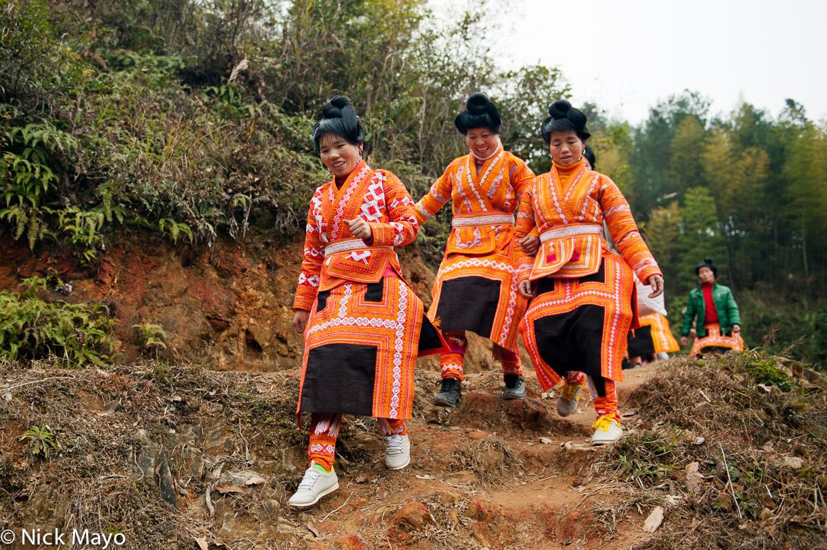 Apron,China,Guizhou,Hair,Leggings,Miao,Wedding, photo