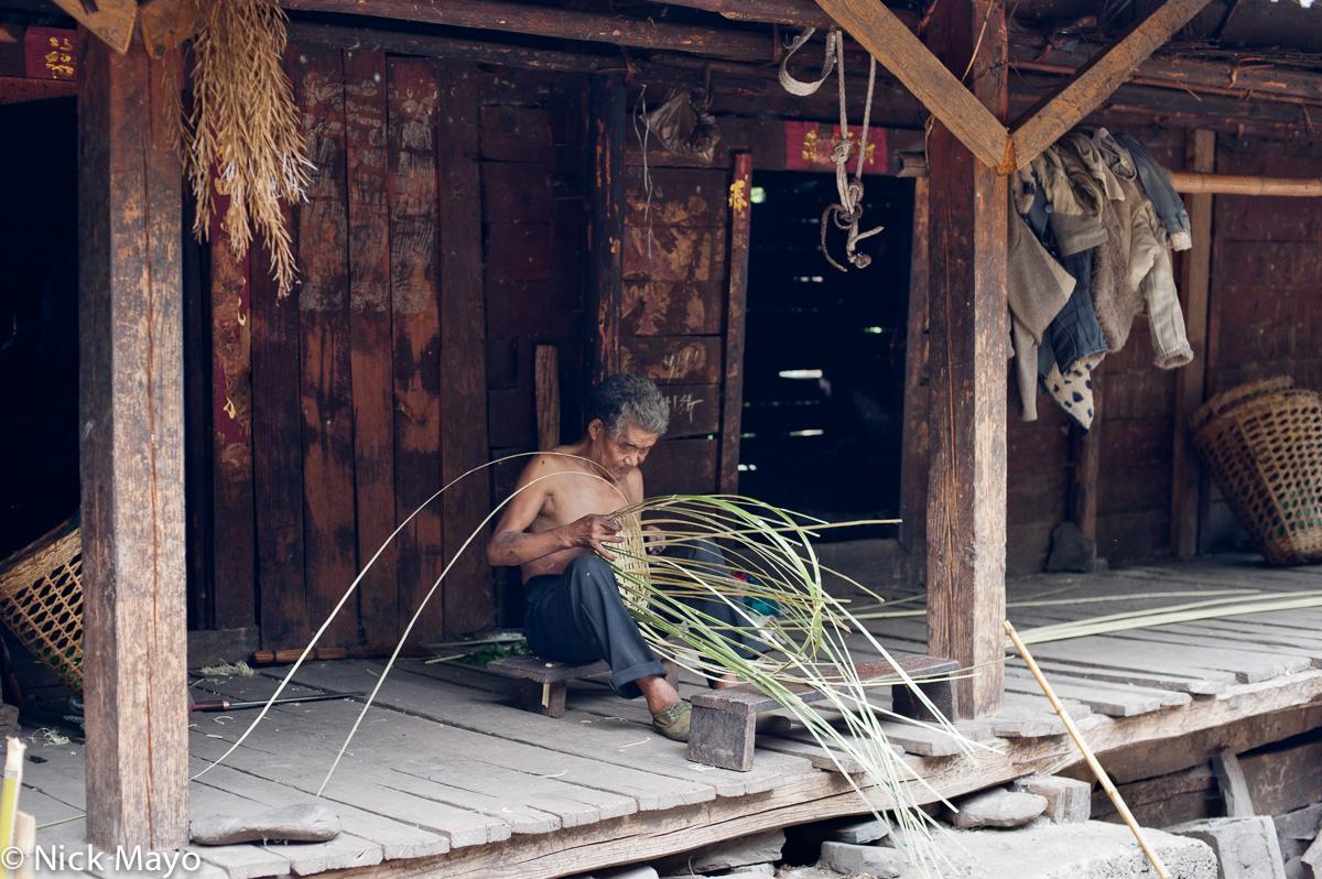 China,Lisu,Making,Yunnan, photo
