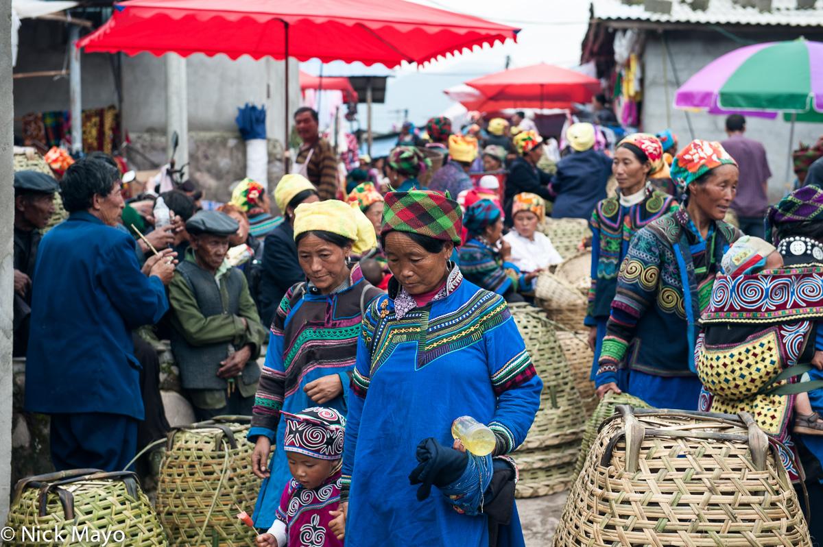 China,Market,Sichuan,Turban,Yi, photo