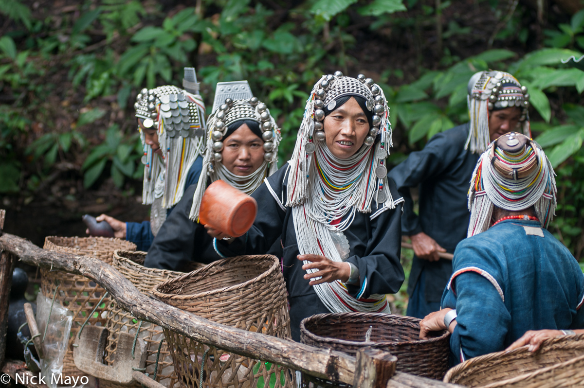 Backstrap Basket,Breastpiece,Burma,Fetching Water,Hani,Headdress,Necklace,Shan State, photo