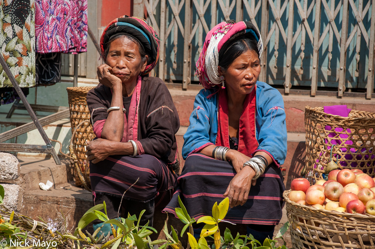 Basket,Bracelet,Burma,Earring,Market,Palaung,Selling,Shan State,Turban, photo