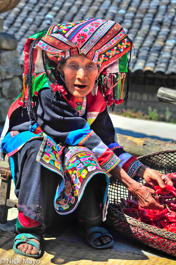 Apron,Chilli,China,Earring,Lisu,Turban,Yunnan, photo