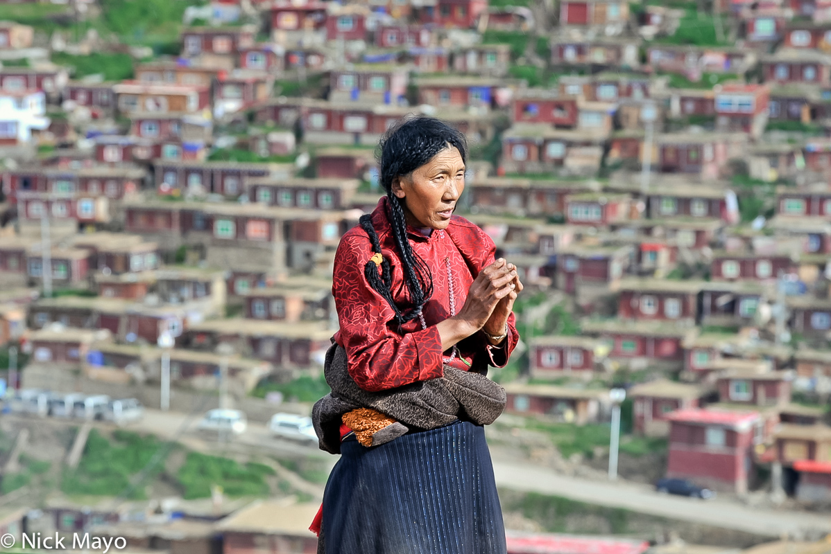 China,Praying,Sichuan,Tibetan, photo