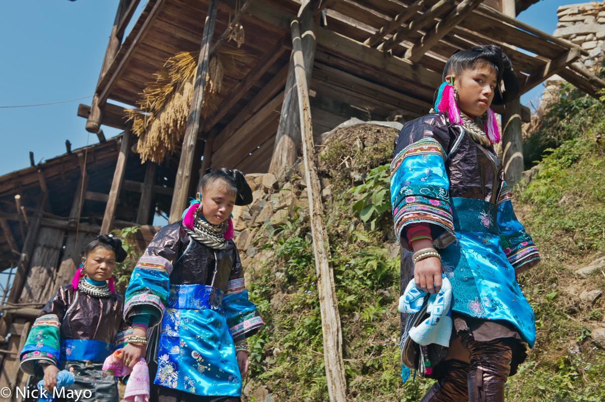 Apron,China,Earring,Guizhou,Hair,Miao,Necklace,Wedding, photo