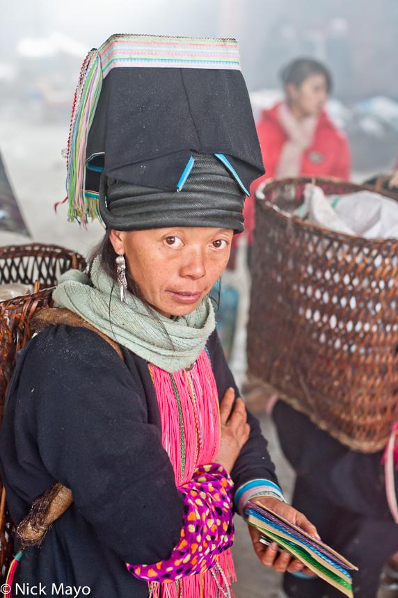 China,Hat,Market,Shopping,Yao,Yunnan, photo