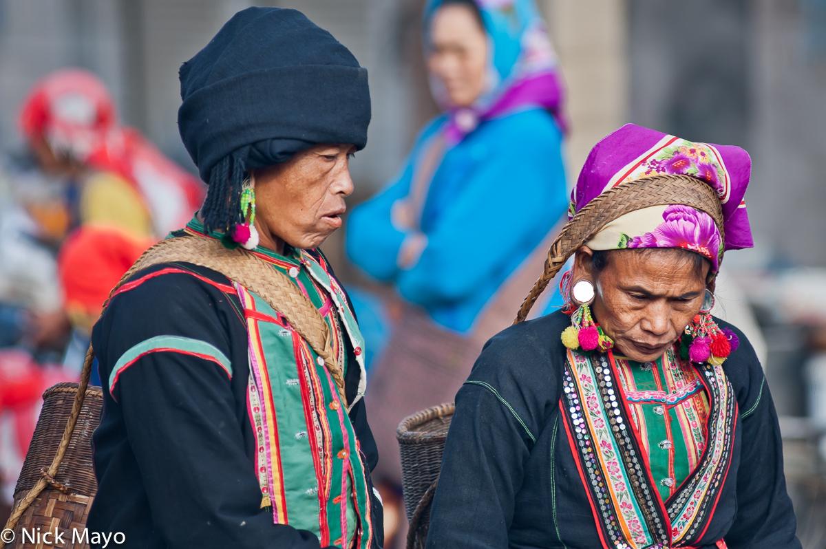 Basket,Bulang,China,Earring,Market,Turban,Yunnan, photo