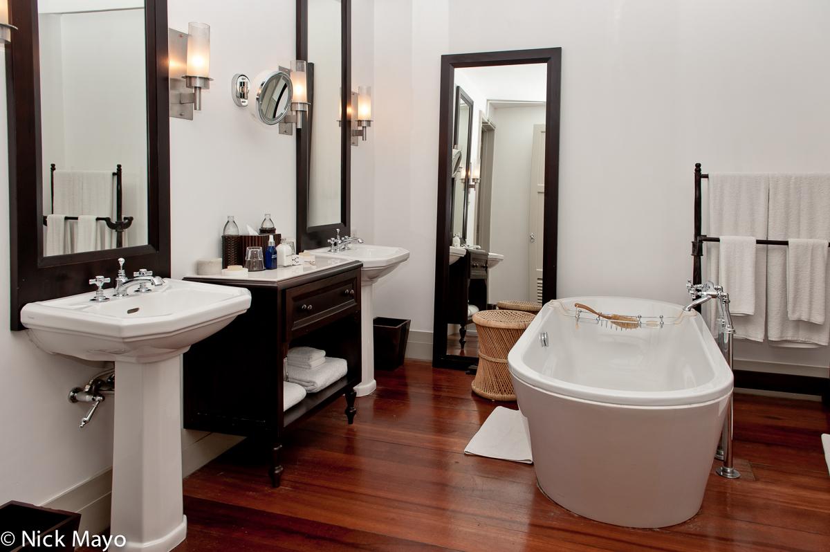Bathroom,Hotel,Southern Province,Sri Lanka, photo