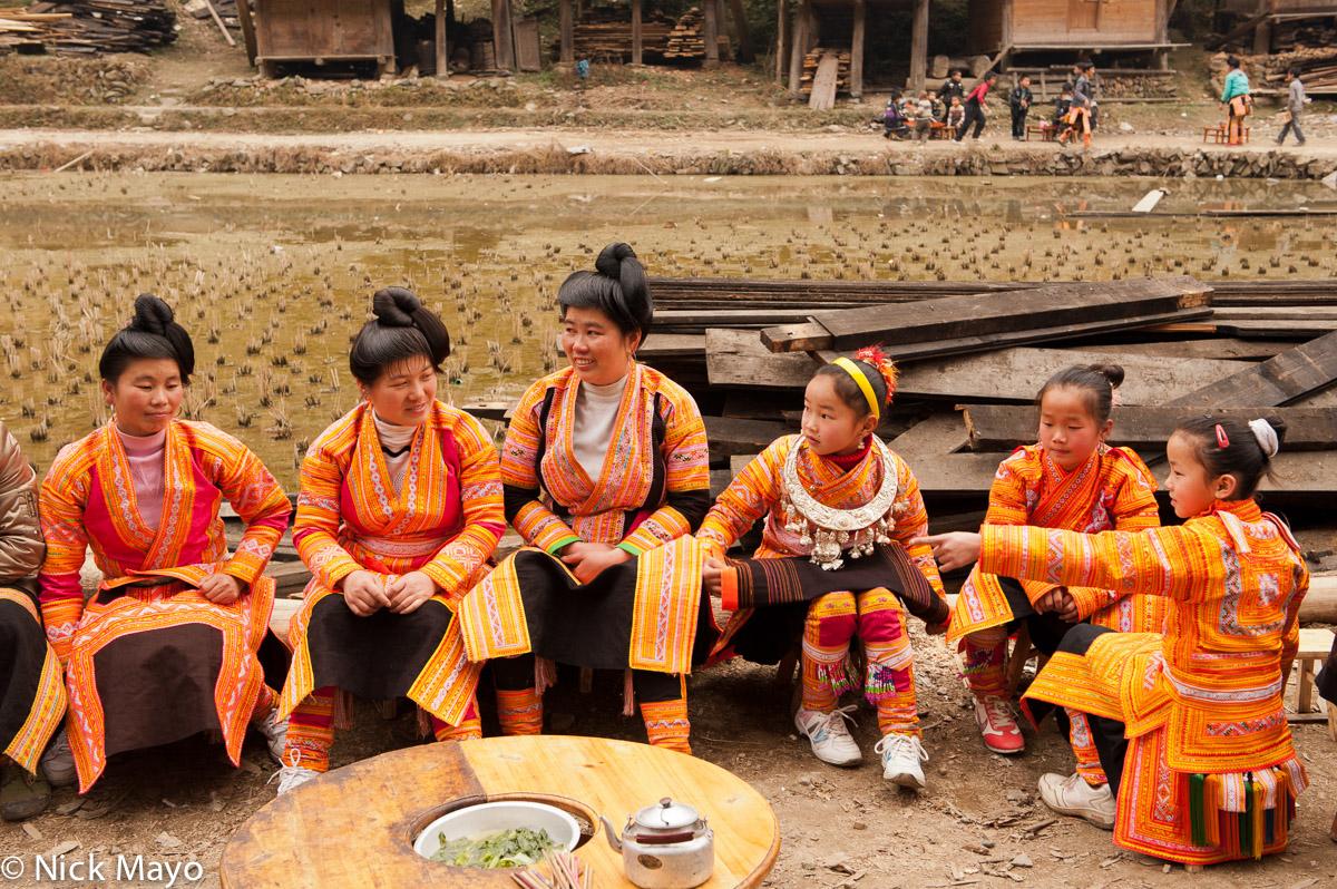 Apron,China,Guizhou,Hair,Miao,Necklace,Wedding, photo