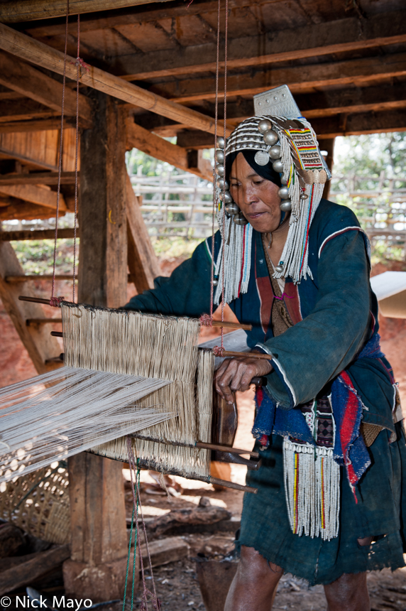 Burma,Foot Treadle Loom,Hani,Headdress,Shan State,Weaving, photo