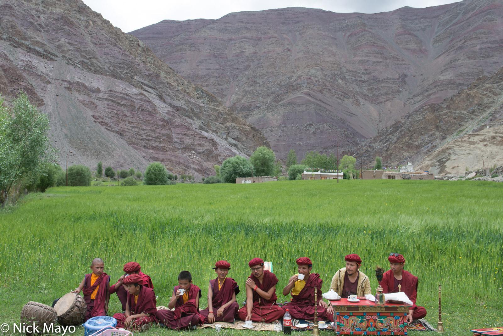 Drum, Horn, India, Jammu & Kashmir, Monk, Religious Ritual, photo